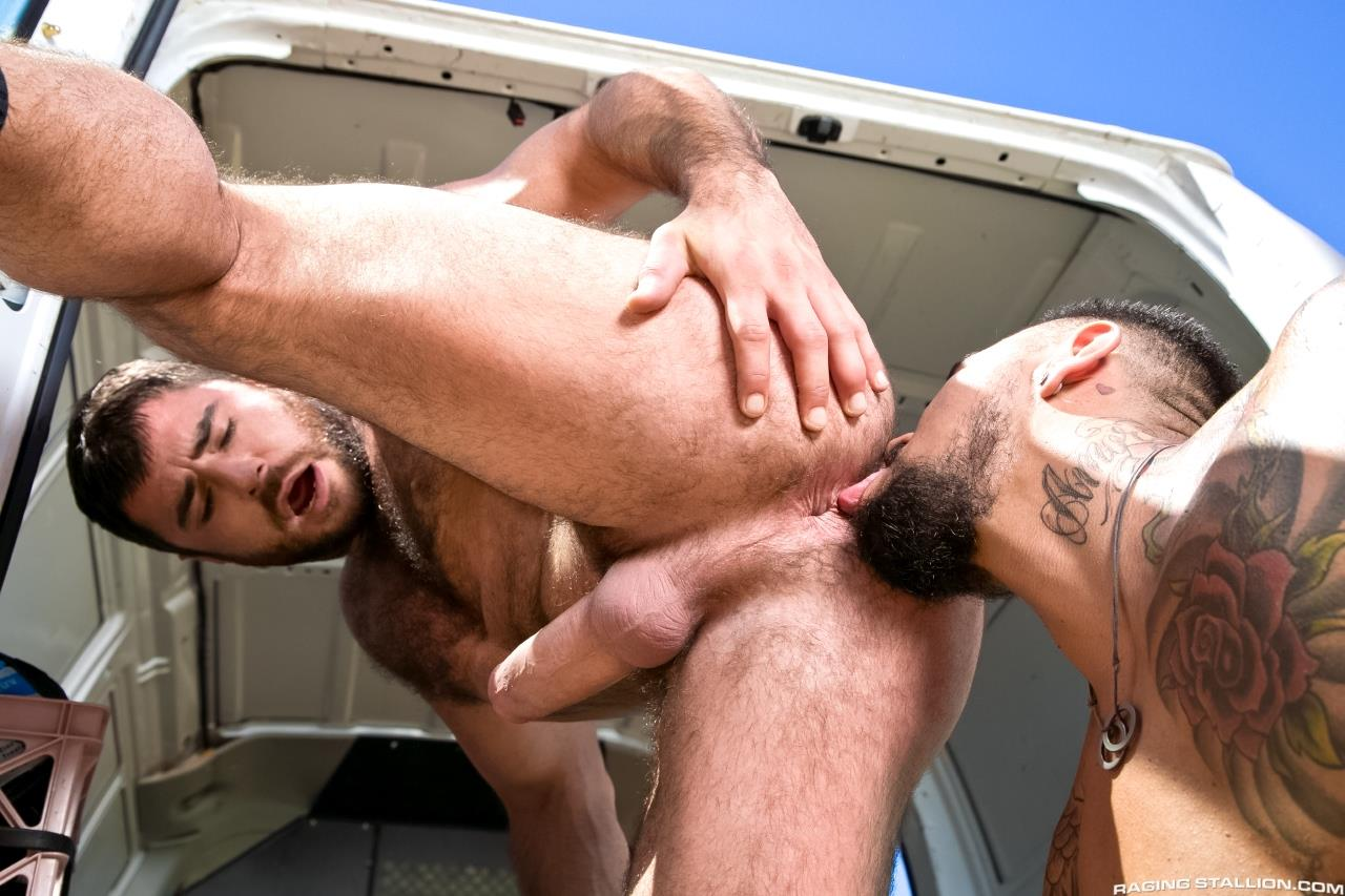 Raging Stallion Boomer Banks Mike Dozer Huge Uncut Cock Fucking A Hitchhiker Amateur Gay Porn 08 Boomer Banks & Mike Dozer: Fucking A Hitchhiker With A Huge Uncut Cock