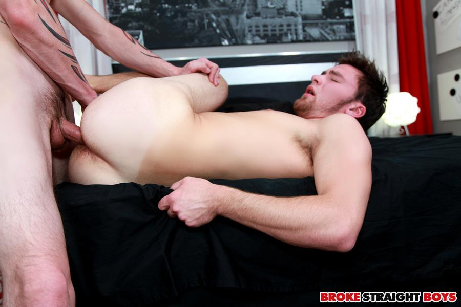 Broke-Straight-Boys-Cage-Kafig-and-Ian-Dempsey-Bareback-fucking-Amateur-Gay-Porn-24 Broke Straight Boy Cage Kafig Fucks Ian Dempsey Bareback For Cash